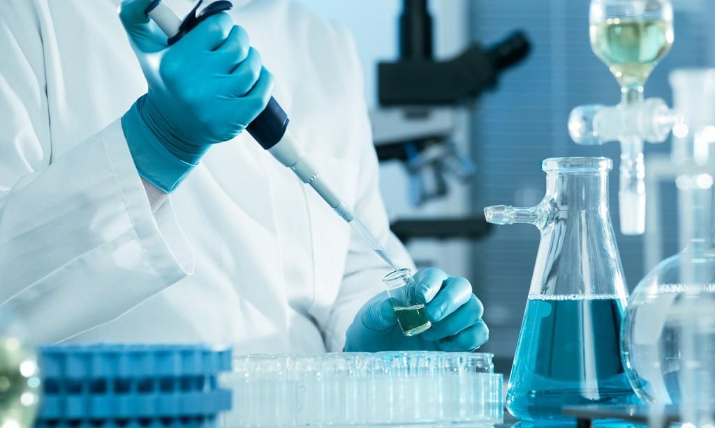 To Dupilumab μείωσε σημαντικά τη χορήγηση στεροειδών, τις σοβαρές κρίσεις άσθματος και βελτίωσε την πνευμονική λειτουργία σε μια μελέτη Φάσης 3