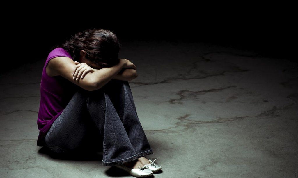 Η κατάθλιψη αυξάνει τον κίνδυνο πρόωρου θανάτου για άνδρες και γυναίκες