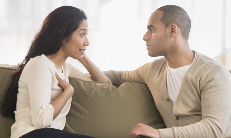 Τελικά, ποιοι μιλούν περισσότερο; Άντρες ή γυναίκες;