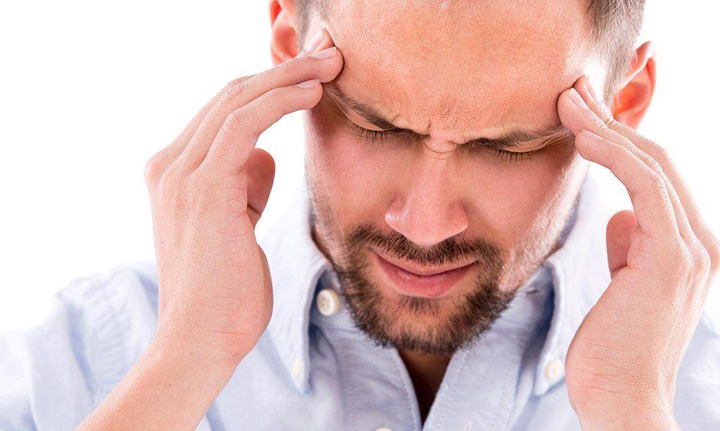 Οι ημικρανίες επιδεινώνονται πριν την εμμηνόπαυση