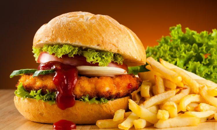 Τροφικές δηλητηριάσεις: Καραδοκούν το καλοκαίρι!