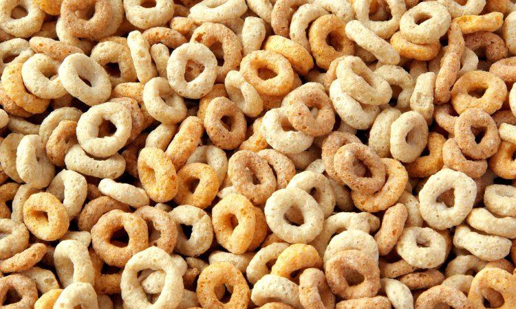 Λίγα λιπαρά ή λίγοι υδατάνθρακες βοηθούν στην απώλεια βάρους;