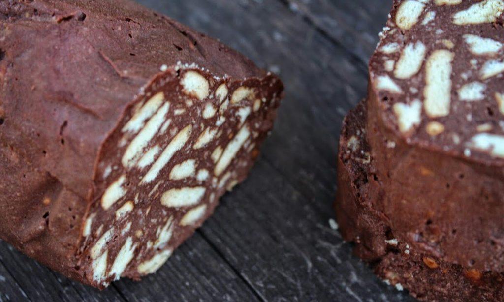 Vegan κορμός σοκολάτας με χουρμάδες