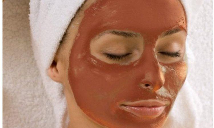 Μάσκα προσώπου για λαμπερό δέρμα με καφέ και μέλι
